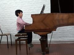 子供Hの演奏