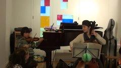 子供A(ヴァイオリン)とMさん(チェロ)
